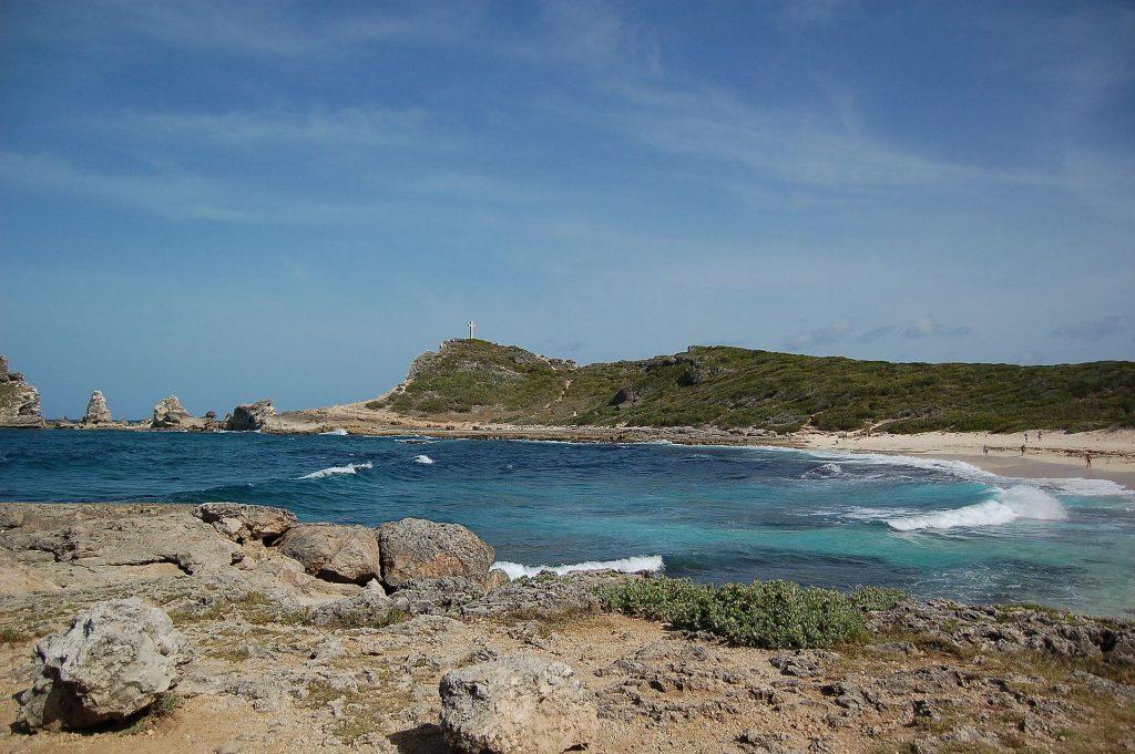 Une plage de la Pointe des chateaux en Guadeloupe
