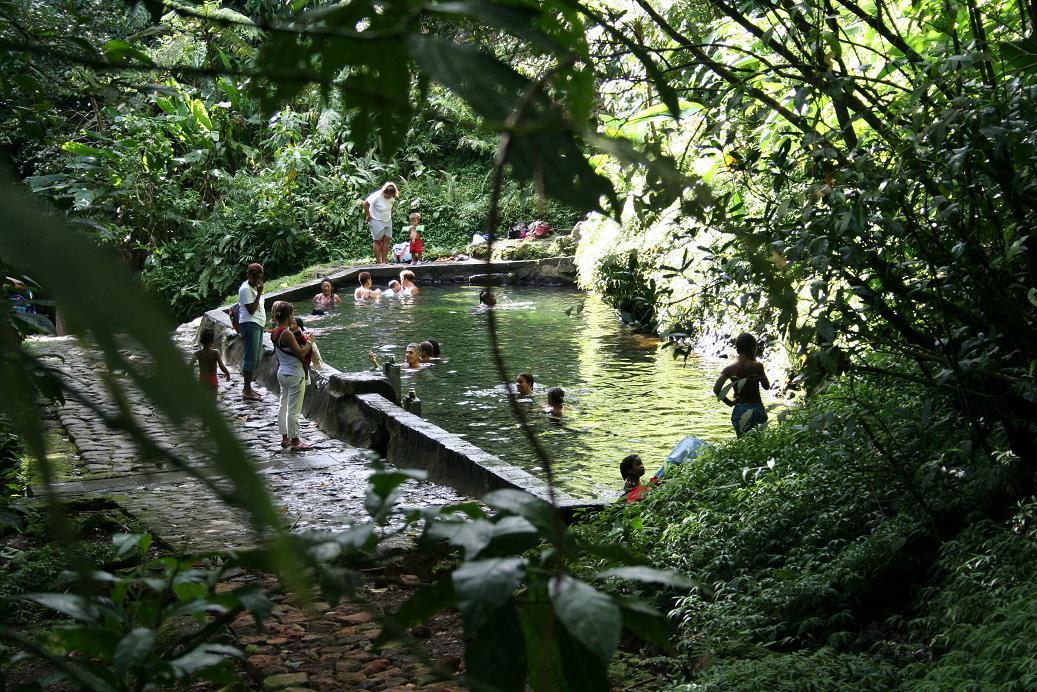 Découvrir les sources thermales de Guadeloupe