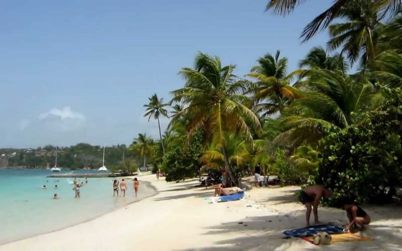 plage sable blanc guadeloupe